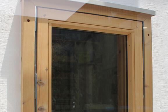 窓:木製サッシ