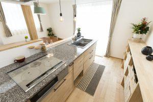 コーヨーテック モデルハウス キッチン 自然素材