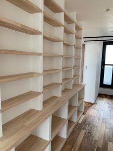 自然素材 無添加住宅 本棚 こだわりの家