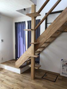 コーヨーテック 階段
