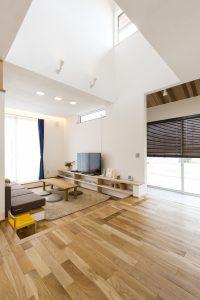 自由設計 自然素材の家