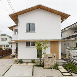 白い家 漆喰 コーヨーテック 外観