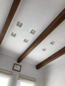 しっくい塗りの天井