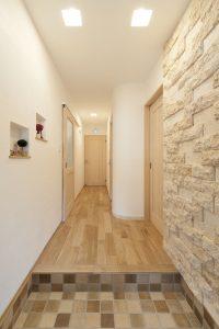 石貼り 玄関